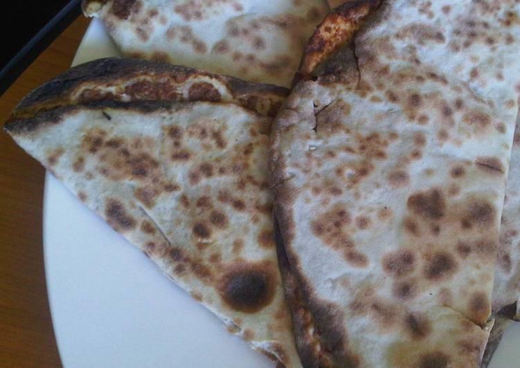 Syrian meat pie: Safiha