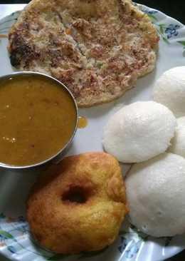 Idli, Sambhar, Vada, Uttapam