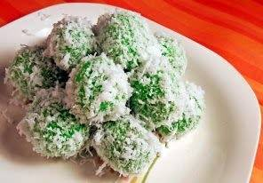 Klepon (Sweet Rice Ball)