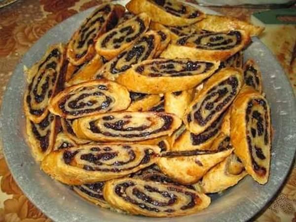 Currant rolls
