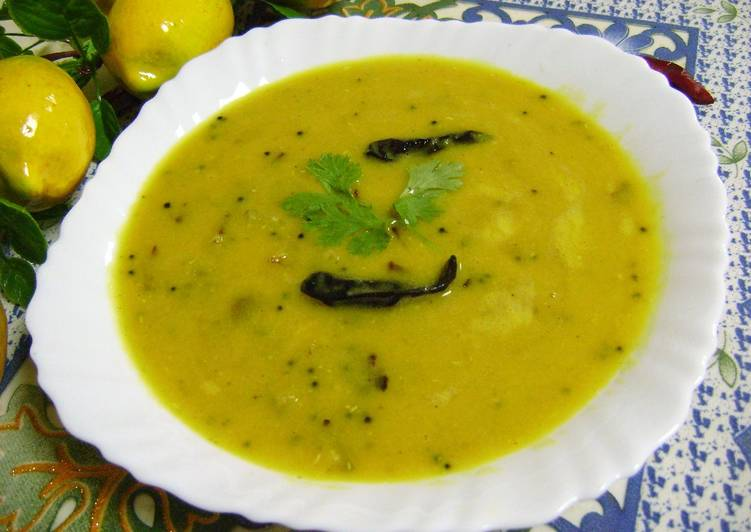 Aam Dal (Raw Mango Lentil Curry - Bengali Style) Recipe by