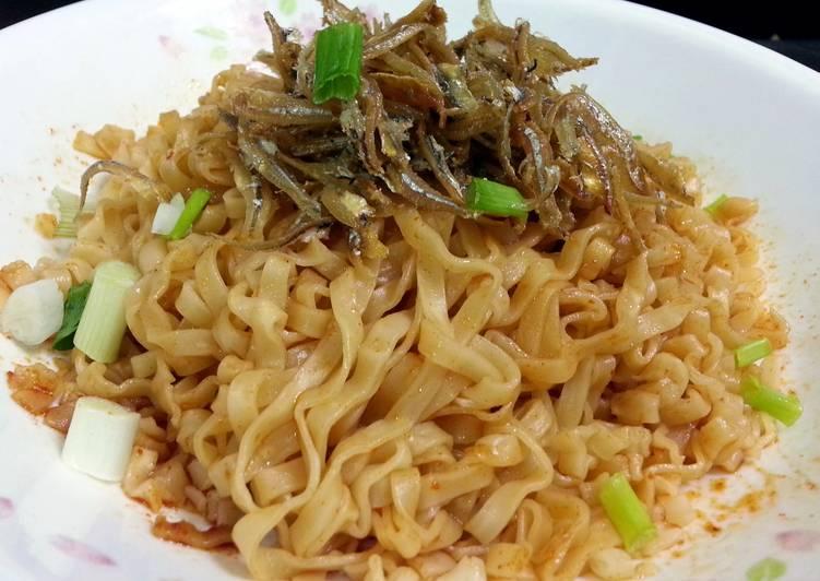 Singapore Dry Noodle (Mee Pok)