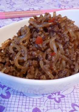 Spicy Stir-Fried Ground Meat and Shirataki Noodles