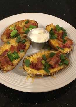 Crispy Bacon, Cheese and Onion Potato Skins