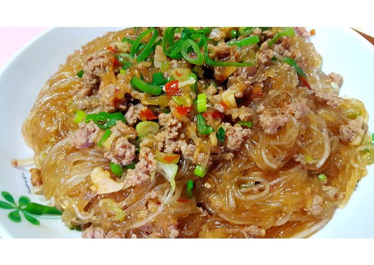 Green bean noodle with Minced Pork Recipe by Amy - Cookpad
