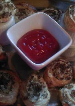 Mandys cheesy burger pinwheel