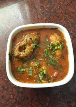 Shol fish curry (shol kaliya)