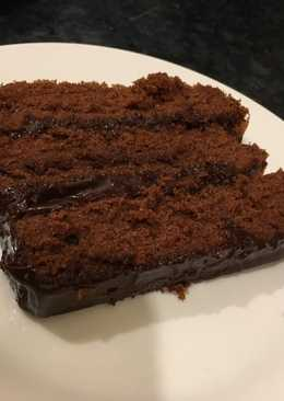 Moist Chocolate Cake (Easy Recipe)