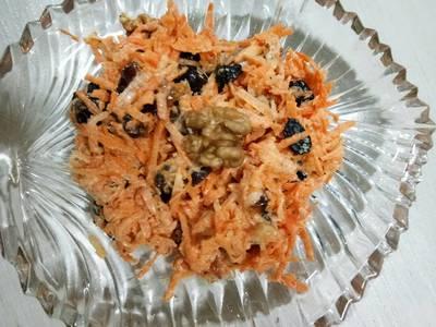 Carrot walnut and dates salad