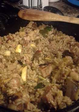 Grilled pork and vegetables fried rice