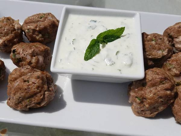Spicy lamb meatballs with a tangy yoghurt sauce