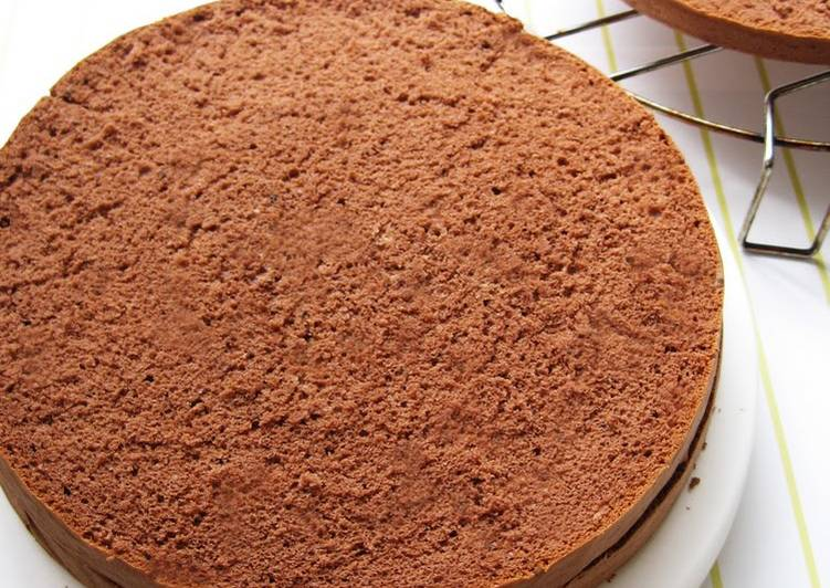 Light and moist chocolate sponge cake recipe by cookpad for Chocolate sponge ingredients