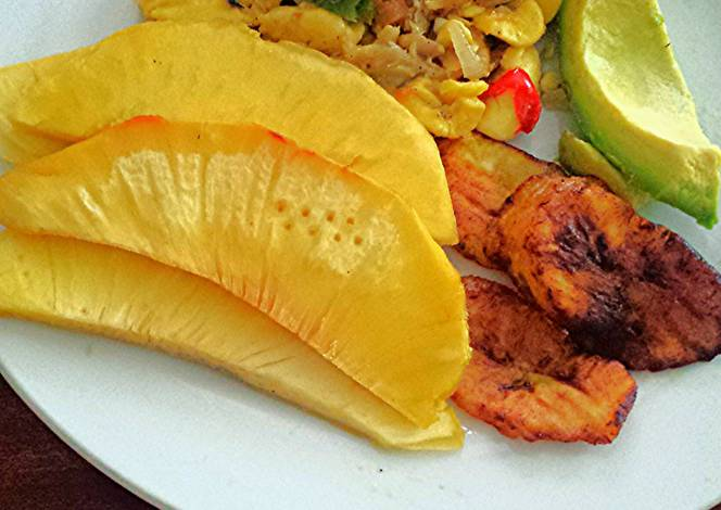 Jamaican ackee and salt fish recipe by kingstonsfinest for Jamaican fish recipes
