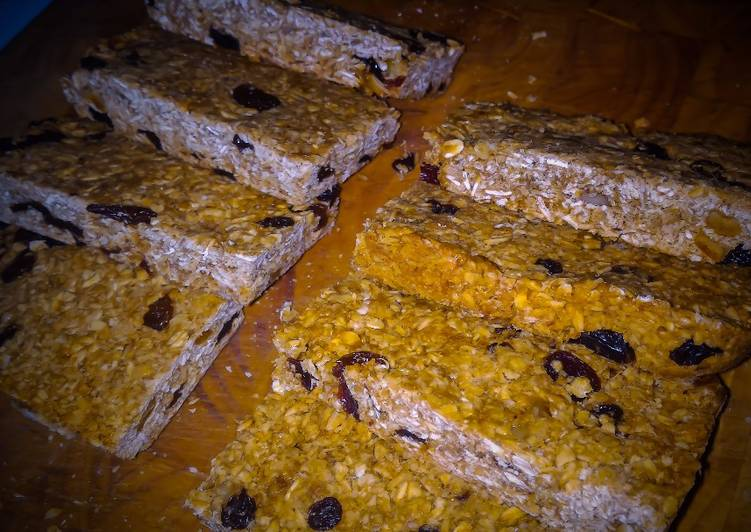 Golden Syrup Flapjack with Raisins