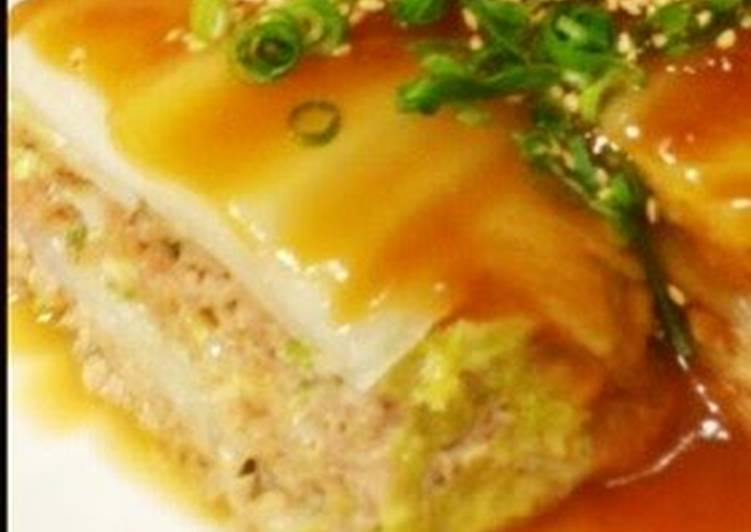 Layered and Steamed Chinese Cabbage Leaves and Pork Mince