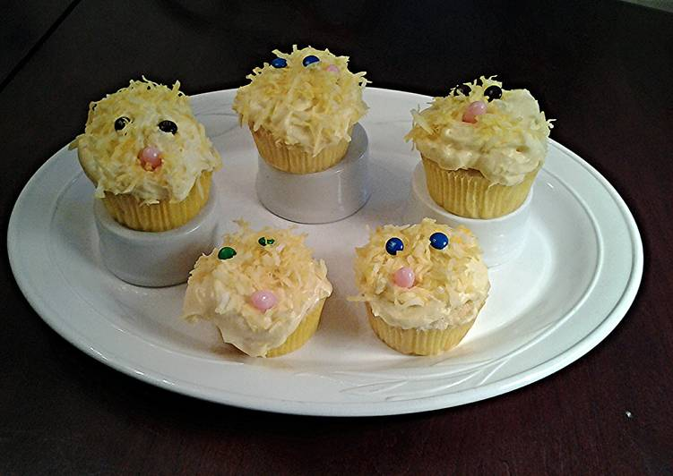 White Chocolate Cupcakes with White Chocolate Whipped ...