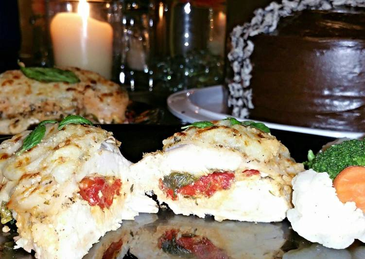 Roasted Red Pepper Mozzarella And Basil Stuffed Chicken Recipe By Bryanna029 Cookpad