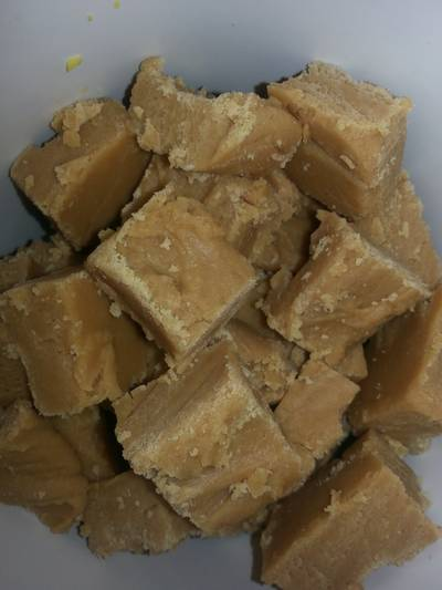 Easy Peesey Peanut Butter Fudge
