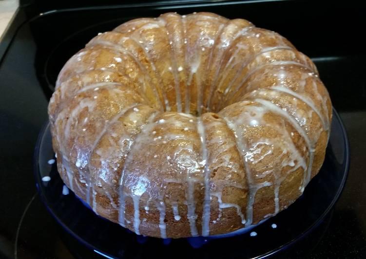 Super easy lemon pound cake