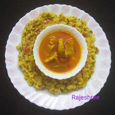 Moong Dal Khichdi With Guava Sabji