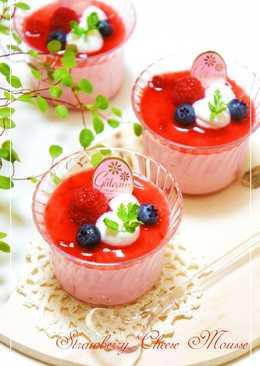 No Bake Strawberry Cheesecake Mousse With Strained Yogurt