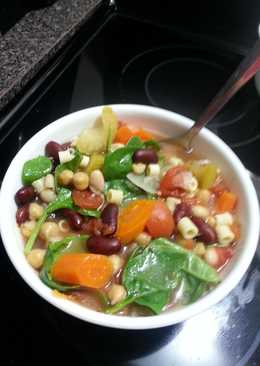 Super healthy bean and veggie soup