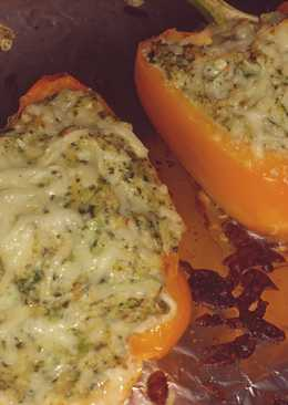 Healthy chicken stuffed peppers