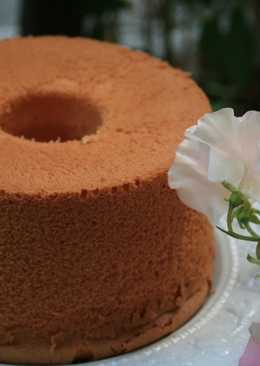 My Way to Remove a Chiffon Cake From the Pan