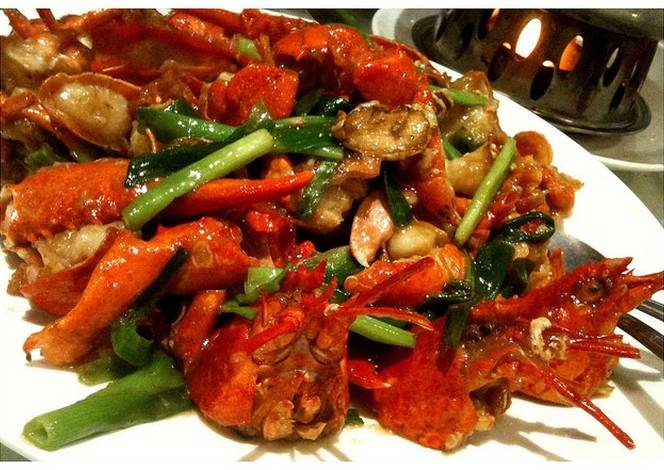 Cantonese style lobster Recipe by Everton - Cookpad
