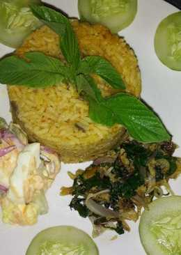 Jollof Rice with Coleslaw and Dried Fish