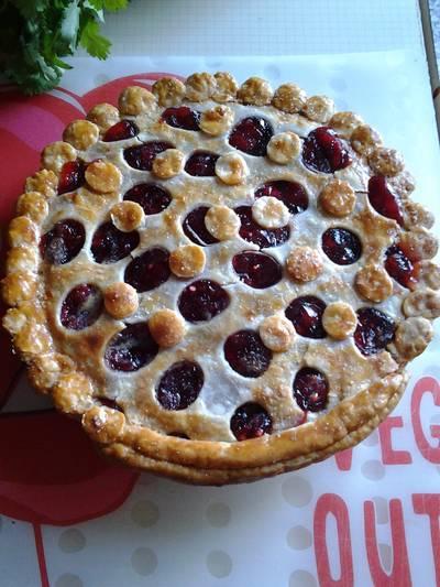 Easy breezy cherry pie