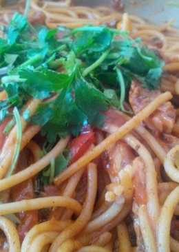 Spaghetti with spicy pilchards