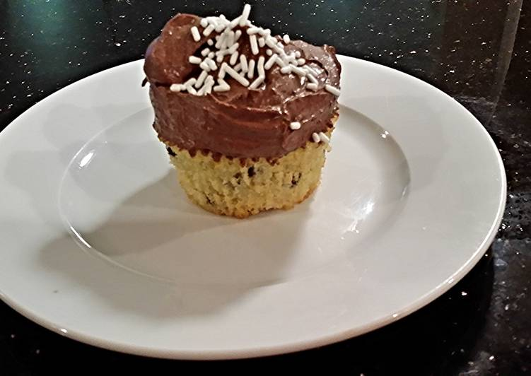 chocolate chip cupcakes with chocolate ganache frosting. Black Bedroom Furniture Sets. Home Design Ideas