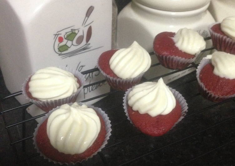 Classic Red Velvet Cupcake with Cream Cheese Frosting