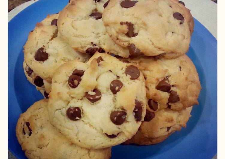 Boxed Cake Mix Chocolate Chip Cookies Recipe By Mlt83 Cookpad