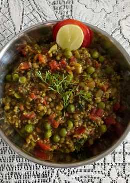 Bajra,moong and peas khichdi