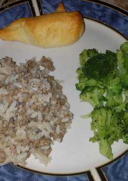 """Grandma's simple """"meat n rice"""""""
