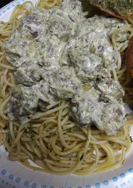 Emerald Spaghetti and Meatballs