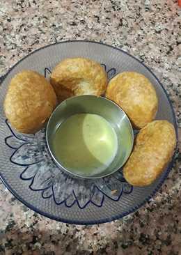 Masala moong dal kachori with green chatni