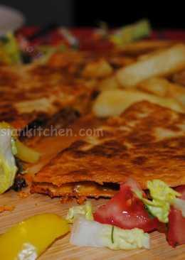 Rozina's Persian calzone pizza