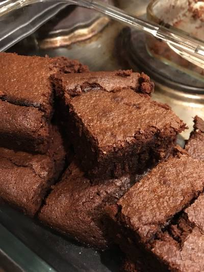 Brownies with Bananas and Coconut & Carob Butter
