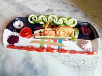 Cucumber snail or chain...And flower salad