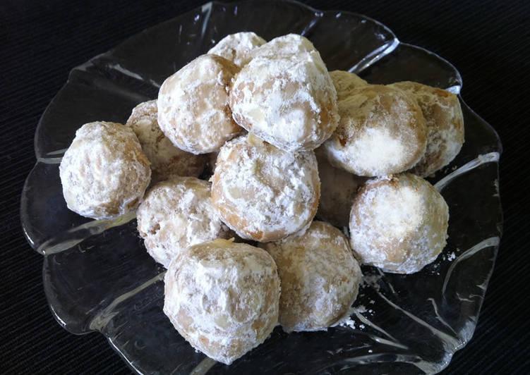Almond Snowballs Recipe By Hiroko Liston Cookpad
