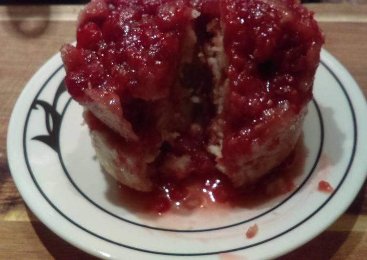 Raspberry mug cake recipe main photo