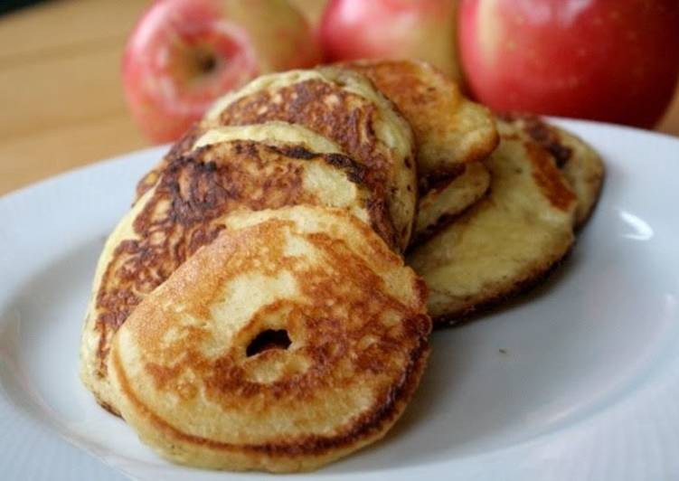 Oatmeal Cottage Cheese Apple Pancakes