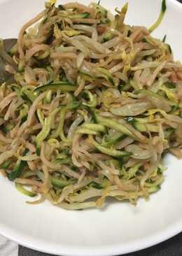 Bean Sprout & Cucumber Salad