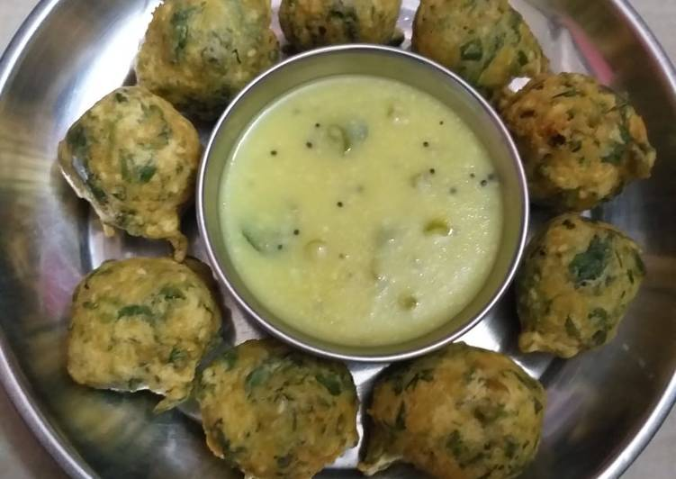 How to make gujarati methi bhajiya
