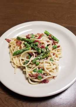 Pasta Carbon with Peas & Asparagus