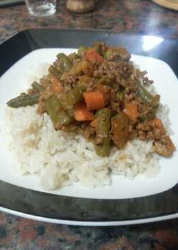 Egyptian style mixed vegetables & beef