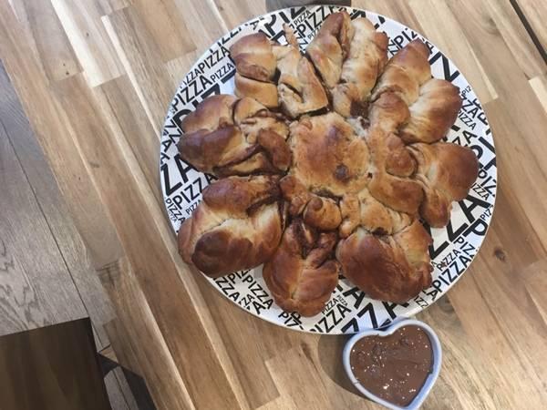 Easterbake Nutella rose bread